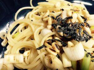 今日のパスタレシピは塩昆布のペペロンチーノ