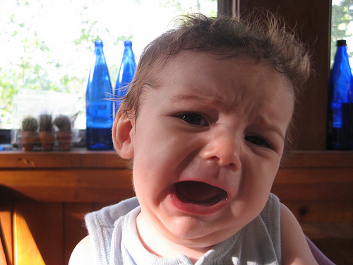 赤ちゃんの保育園準備で必ず必要なもの・鼻水や鼻づまりに鼻吸い器!嫌がる赤ちゃんへの対処法や吸い方のコツ