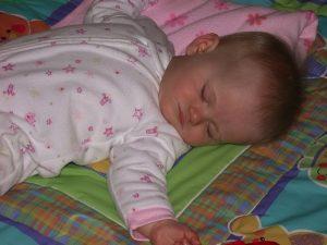 赤ちゃんが突然発熱したママ必見!ヒトメタニューモウイルス感染症(HMPV)の症状とは?