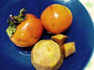 赤ちゃんの離乳食 柿(かき)はいつから大丈夫?