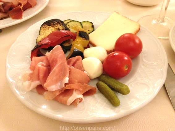 イタリア新婚旅行 ホテルでの朝食