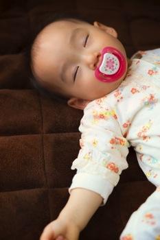 寒い冬、赤ちゃんの暖房に最適な器具を検証!
