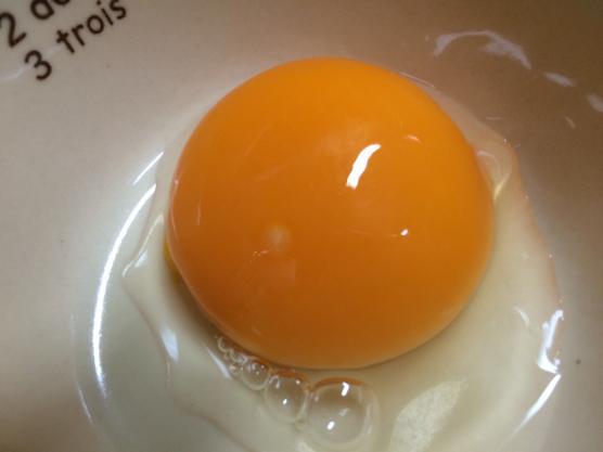 赤ちゃんの離乳食 半熟の卵や生卵はいつから大丈夫?