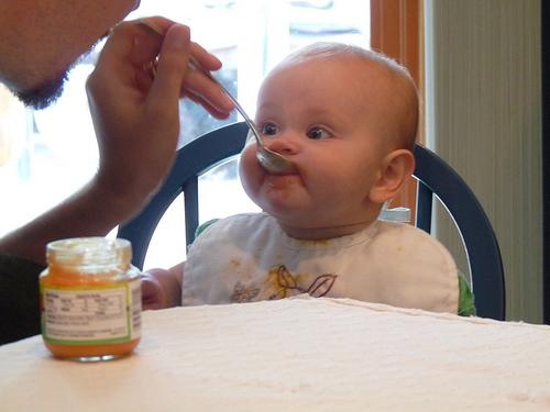 赤ちゃんの離乳食で食べさせてよいものわるいものアレルギーなど