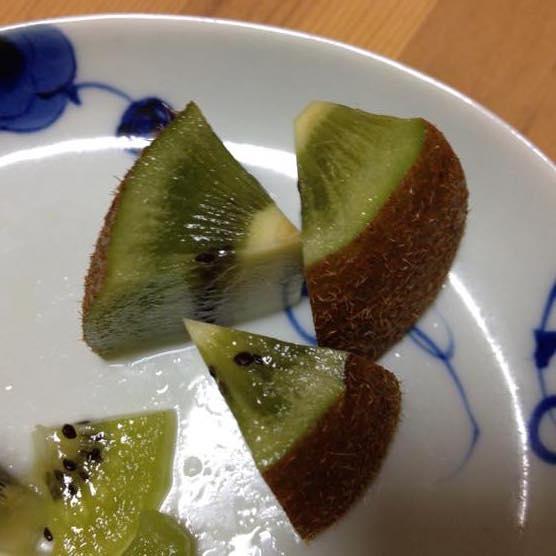 キウイ 皮ごと 食べるIMG 8916