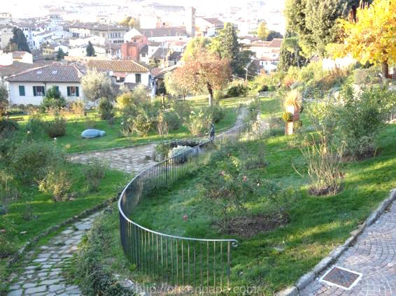 Giardino フィレンツェ delle Rose 01263 1024