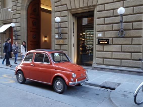 イタリア新婚旅行 イタリアでみるFIAT500(フィアット)