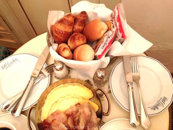イタリア 新婚旅行 朝食  3769